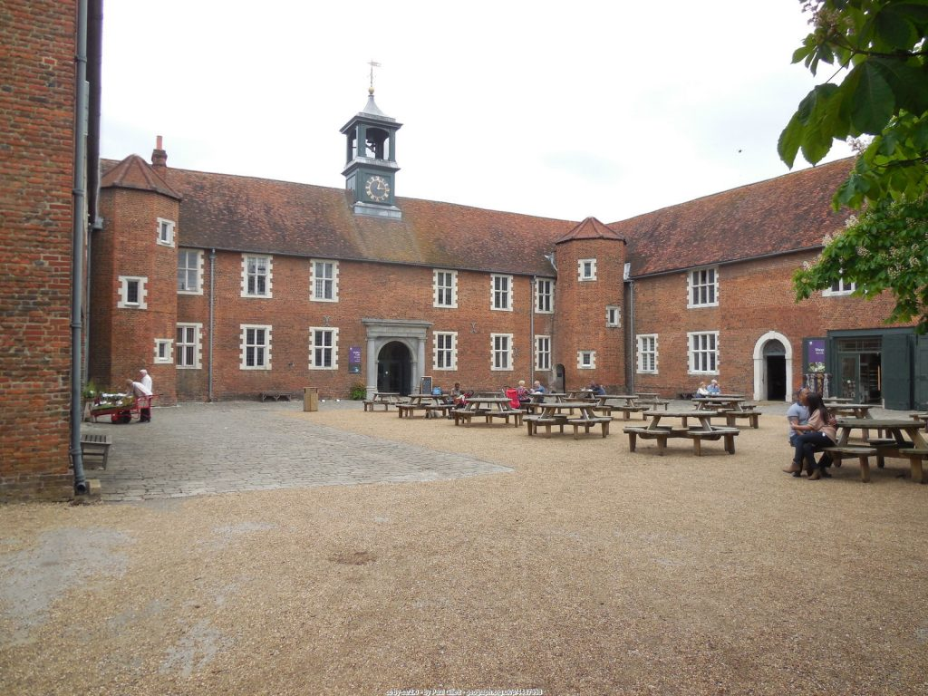 The Stables Cafe, Osterley Park (National Trust) - A courtyard cafe with people enjoying a seat within the old stable buildings. (cc-by-sa/2.0 - © Paul Gillett - geograph.org.uk/p/4487998)
